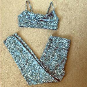 Joy Lab camo pants and sports bra set XL